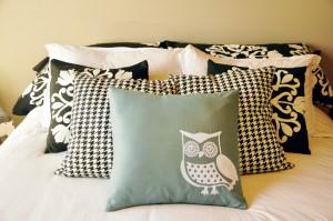 Almofadas na cama: conforto e decoração.