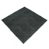 tapete para banheiro preto
