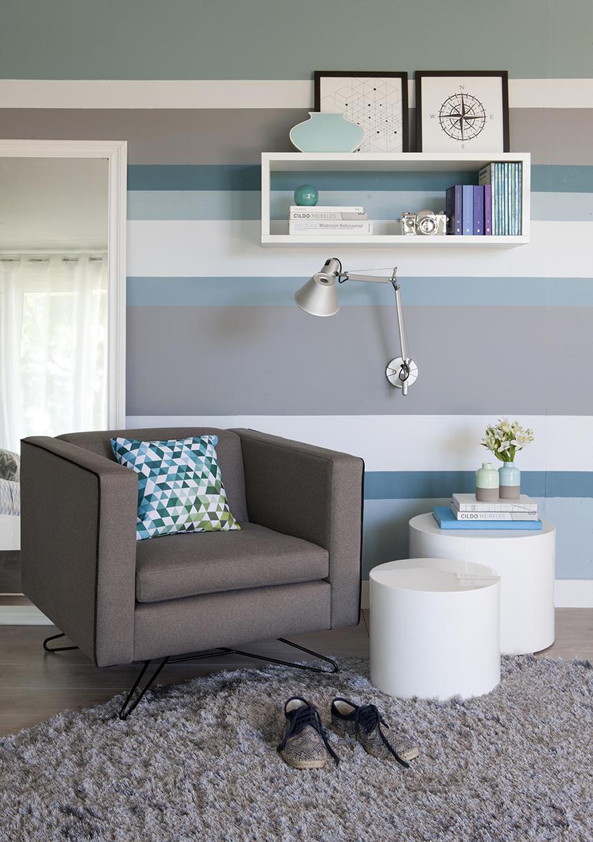 Parede Listrada Tons De Azul Sala De Estar Decorada Mobly Lar Style -> Parede Sala Listrada