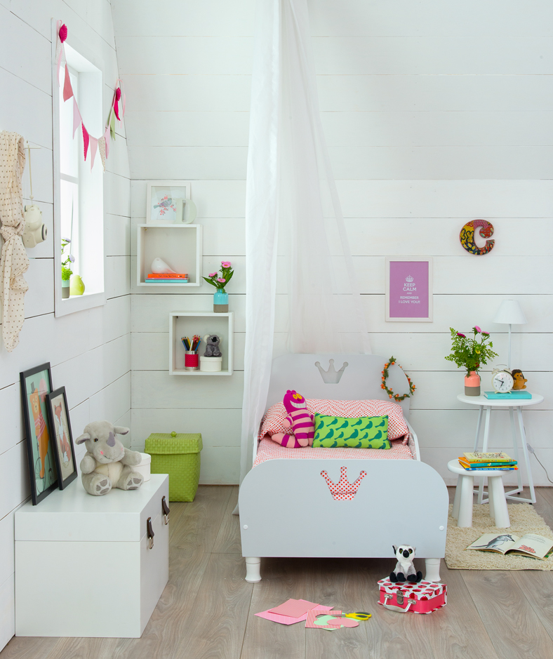 decoração do quarto infantil com cama de princesa