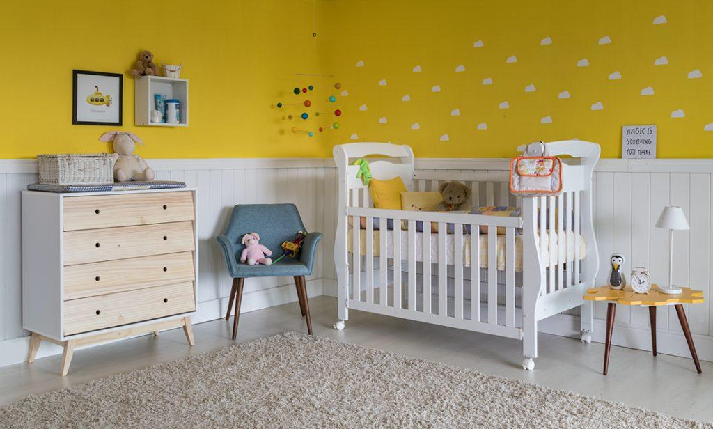 decoração do quarto infantil amarelo
