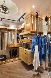 closet organizado com comoda