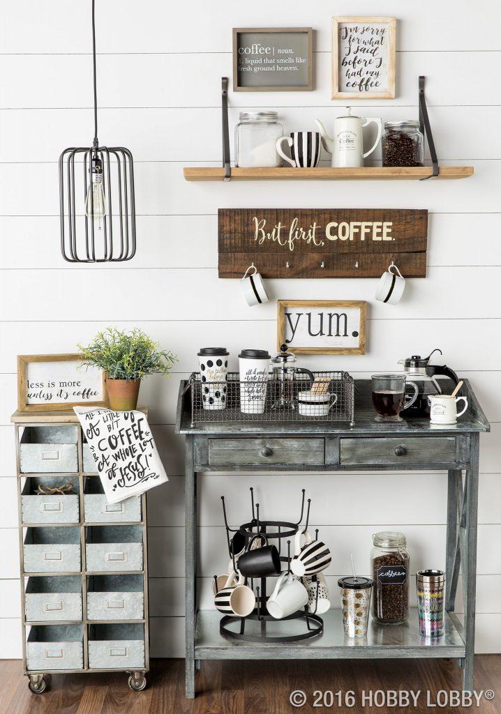 Cantinho do café decorado com elementos rústicos
