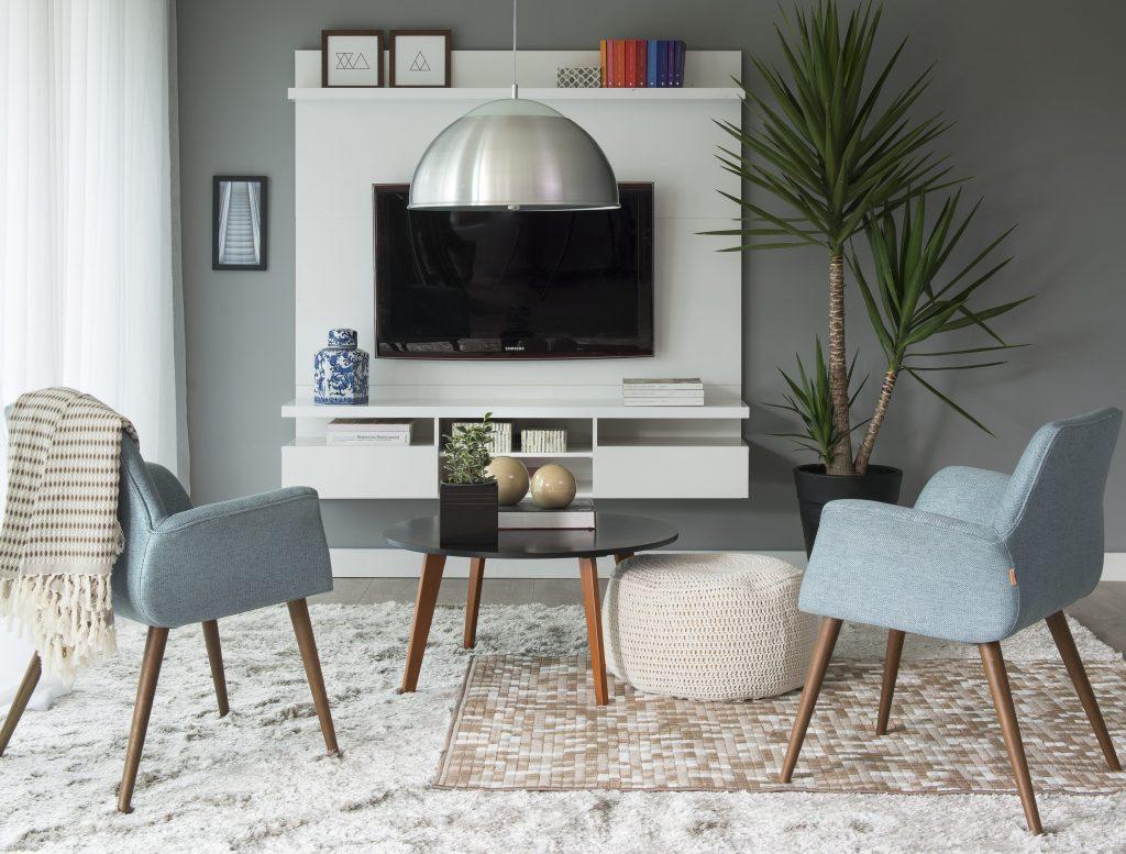 decoração de inverno na sala de estar com tons neutros