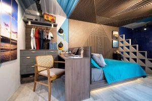 decoração de apartamentos pequenos quarto com escrivaninha cabeceira