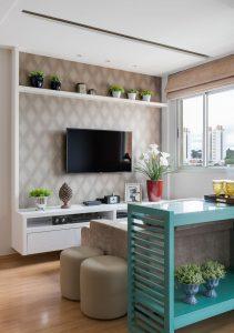 decoração de apartamentos pequenos com sala de estar em tons neutros