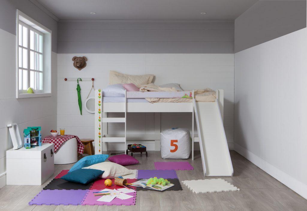 meia parede no quarto infantil