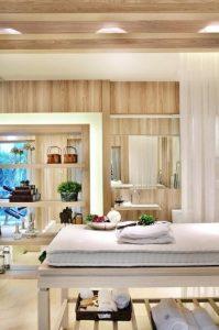 spa em casa com mesa de massagem