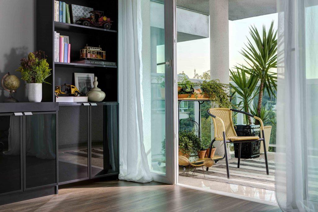 decoração da área externa integrada com a sala de estar