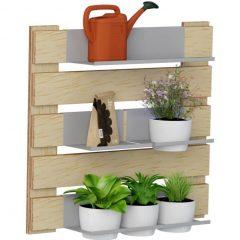 decoração da área externa feita com jardim vertical