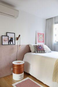 criado mudo rose gold em decoração do quarto
